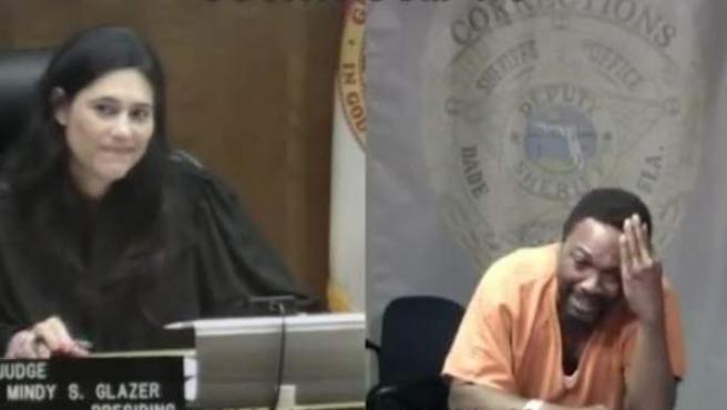 Momento en el cual la jueza Mindy Glazer reconoce en un acusado a un viejo compañero del colegio.