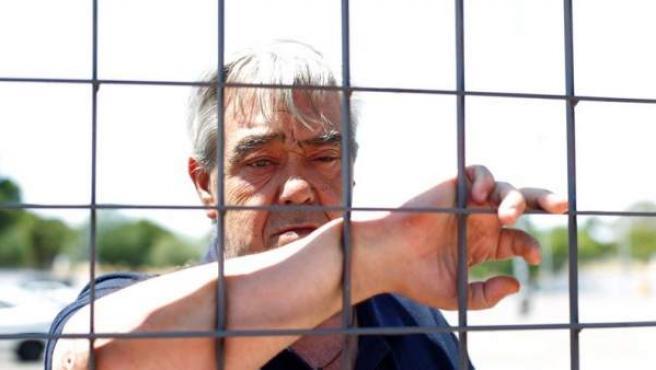Miguel Brecia Guillén, más conocido como el 'camionero' de los GAL, posa ya libre.
