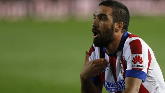El jugador turco del Atlético de Madrid Arda Turan, en un partido de Liga de la presente temporada en el Calderón.