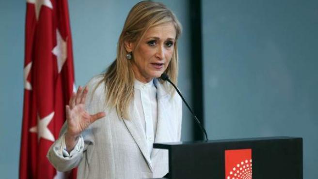Cristina Cifuentes, durante una rueda de prensa en la Asamblea de Madrid.