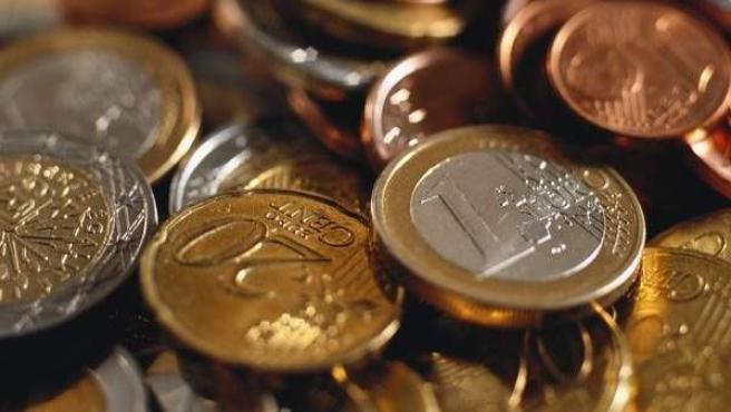 Varias monedas de euro.
