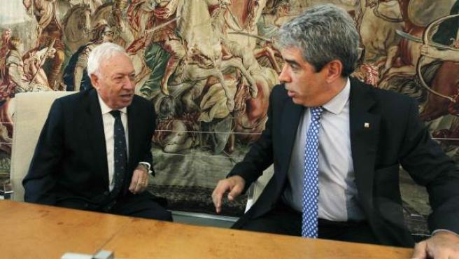 El ministro de Exteriores, José Manuel García Margallo, junto al conseller de Presidencia y Exteriores, Francesc Homs.