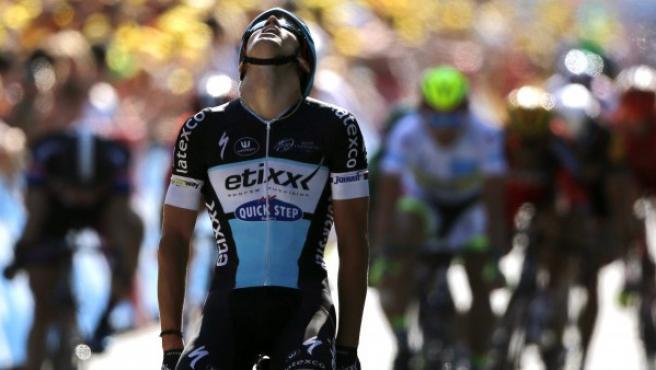 El ciclista checo Zdenek Stybar del equipo Etixx Quick Step se impone en la sexta etapa de la 102º edición del Tour de Francia, una carrera de 191.5km entre Abbeville y Le Havre.
