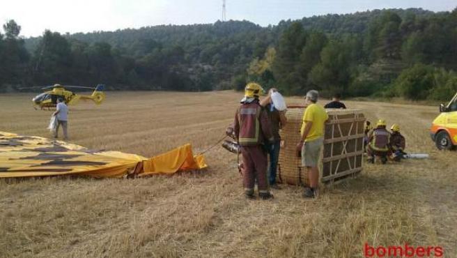 Imagen difundida por los Bomberos de la Generalitat de la zona en la que ha tenido lugar un accidente de globo aerostático, en el término municipal de Vilanova del Camí (provincia de Barcelona).