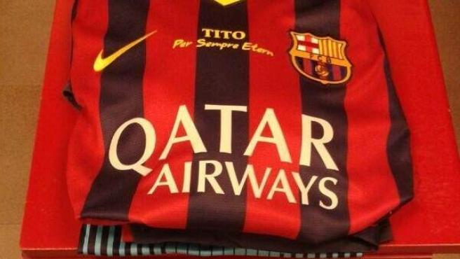Camiseta del Barça con mensaje dedicado a Tito Vilanova.