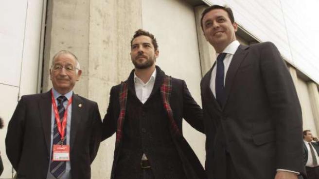Bisbal con Gabriel Amat y Javier A. García