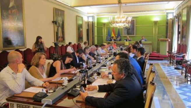 Pleno en el Ayuntamiento de Oviedo.