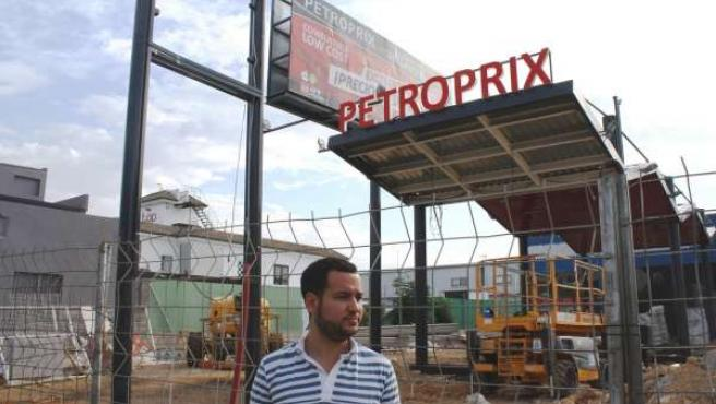 Visita de Daniel González Rojas a obras de una gasolinera en Bellavista