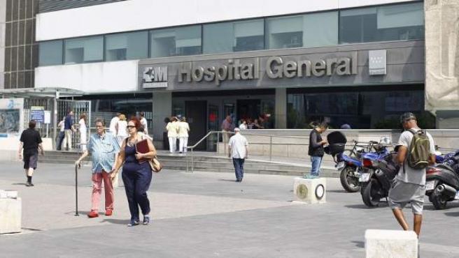 Entrada principal del Hospital de La Paz.
