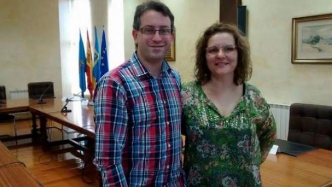 Rogelio Crespo y Luz María Bulnes, ediles de Somos Corvera en el Consistorio de este concejo asturiano.
