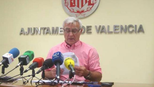 Joan Ribó en la rueda de prensa sobre los PGE 2016