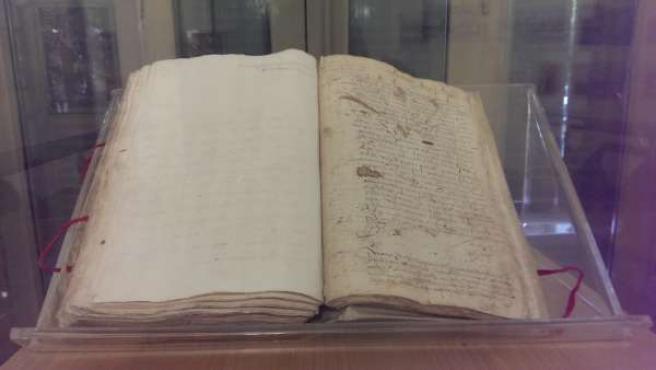 Documento sobre esclavitud siglo XVI archivo municipal málaga
