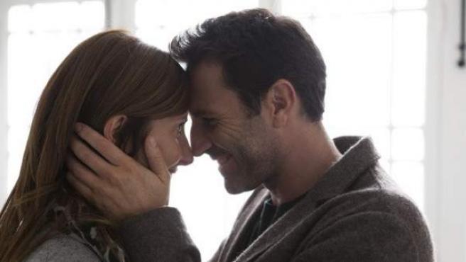 Cuanto más compleja y socialmente estratificada es una sociedad mayor es la frecuencia de los besos.