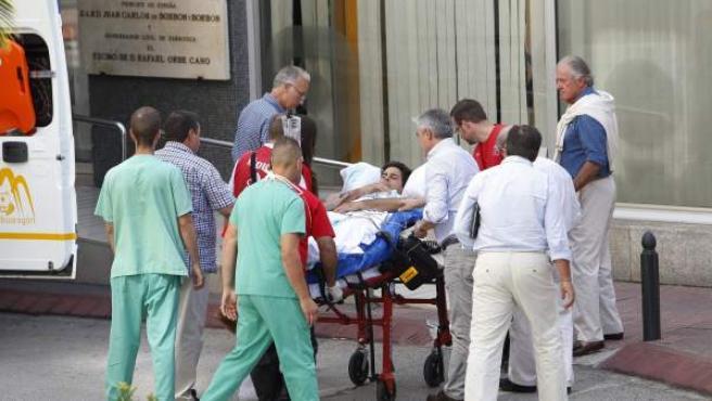 Francisco Rivera en su llegada a la Clínica Quirón de Zaragoza el pasado martes.