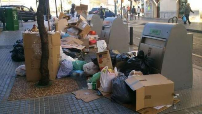 Basura acumulada Málaga limasa huelga paro suciedad