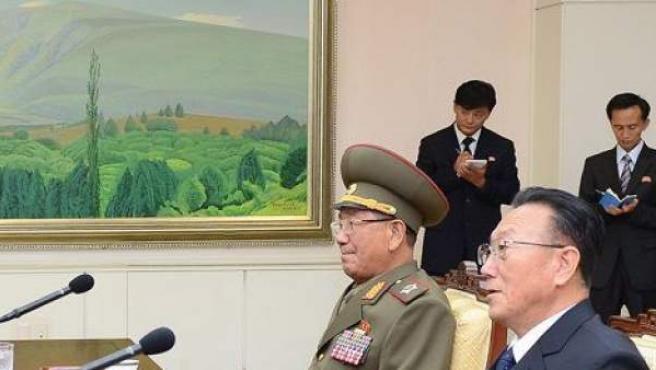 Imágenes de archivo de conversaciones entre Corea del Norte y Corea del Sur, en momentos de máxima tensión militar.