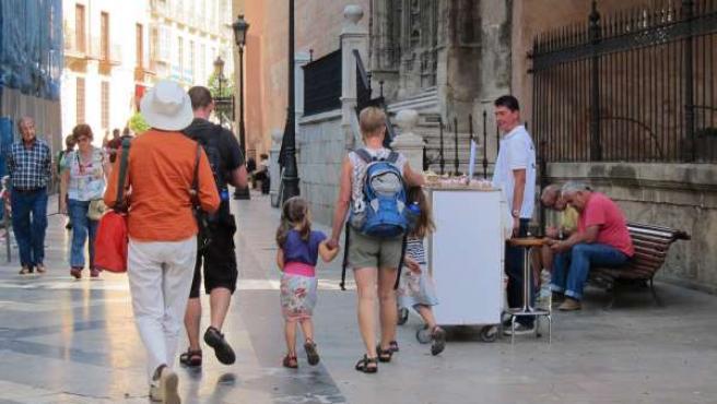 Turistas.