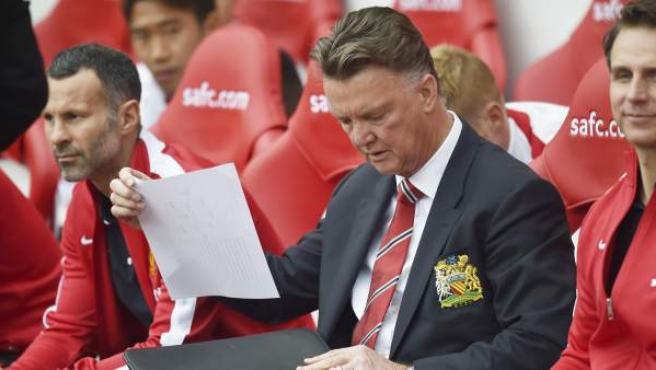 El entrenador del Manchester United, Louis van Gaal, durante el partido de la segunda jornada de la Premier ante Sunderland.
