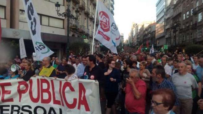 Manifestación multitudinaria en Vigo en defensa de la sanidad pública