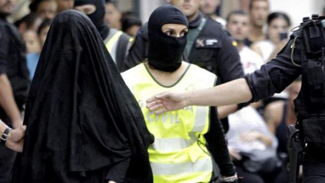 La joven de 18 años de origen marroquí detenida en Gandía (Valencia) por su presunta relación con actividades del terrorismo yihadista.