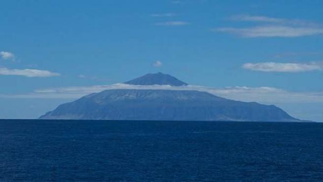 Perfil de la isla de Tristan da Cunha, en el Atlántico Sur.