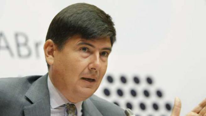 Foto de archivo del ex ministro de Trabajo y Asuntos Sociales Manuel Pimentel.