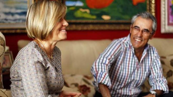 Carmen Núñez de Arenas, enferma de Alzhéimer, y su marido, Blas Jaenes Sánchez.