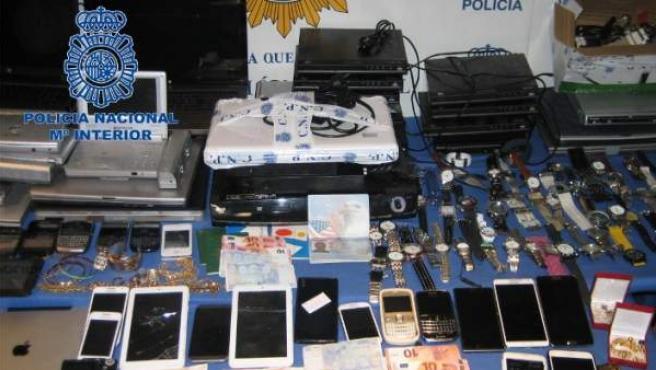 Material incautado a la organización de explotación sexual de Mallorca.