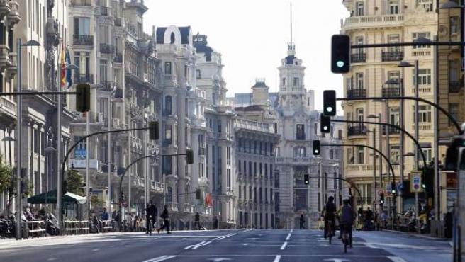 La Gran Vía se ha cerrado al tráfico privado durante unas horas para celebrar el Día Europeo sin coches.