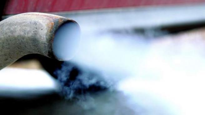 Imagen de un tubo de escape.