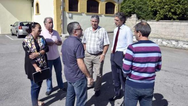 Encuentro de Íñigo de la Serna con vecinos de Campogiro
