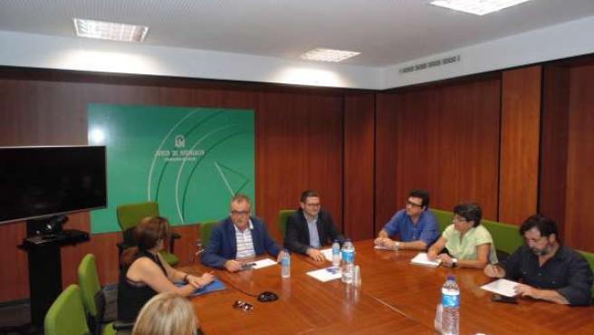 Reunión de la Junta de Andalucía con ONG para el desarrollo