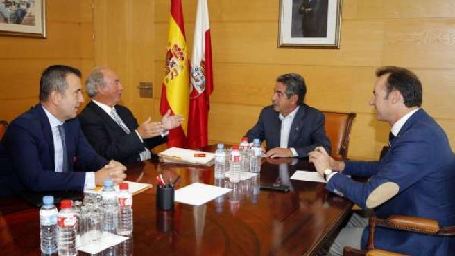 Reunión de Miguel Ángel Revilla como miembros del CTC