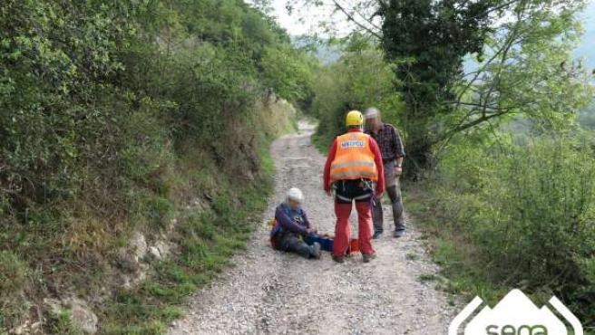 Rescate de montaña de una peregrina en LEna