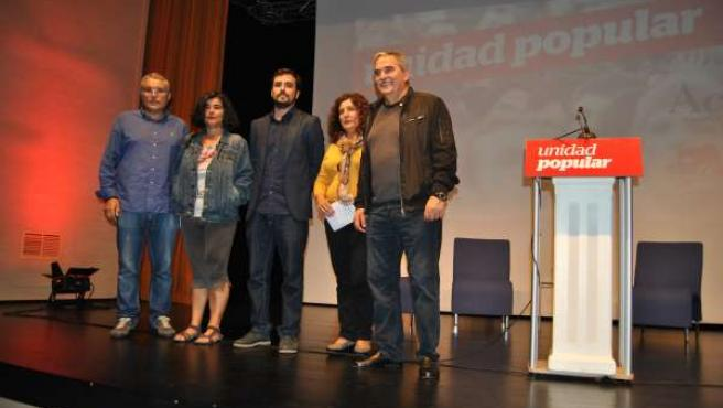 Manuel González Orviz junto a Beatriz González (Mieres) y Alberto Garzón (IU)