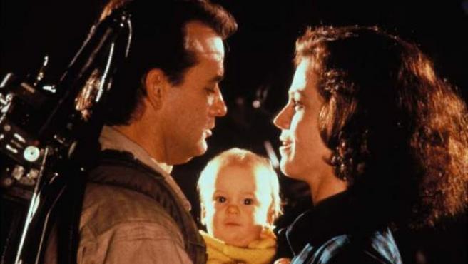 Bill Murray y Sigourney Weaver en una escena de 'Los cazafantasmas'.