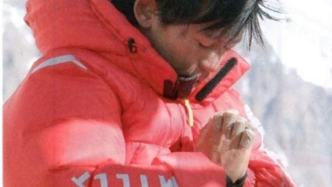 Nobukazu Kuriki, tras perder nueve de los diez dedos de sus manos.