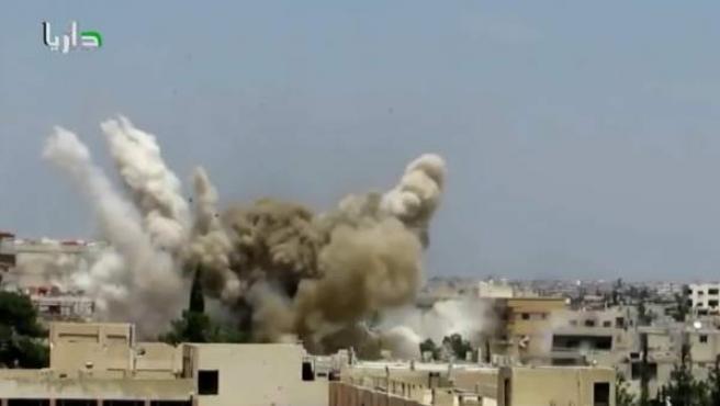 Impacto de barriles explosivos en la ciudad siria de Alepo.