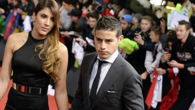 El futbolista James y su esposa, Daniela Ospina.