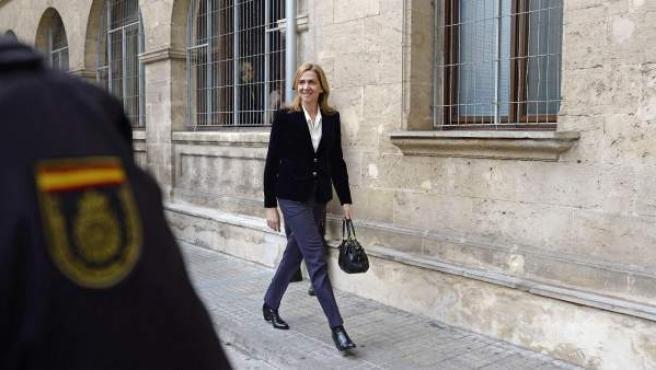 La infanta Cristina, a su llegada a los juzgados de Palma donde declaró ante el juez Castro.