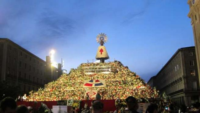 Ofrenda de Flores a la Virgen del Pilar 2013.