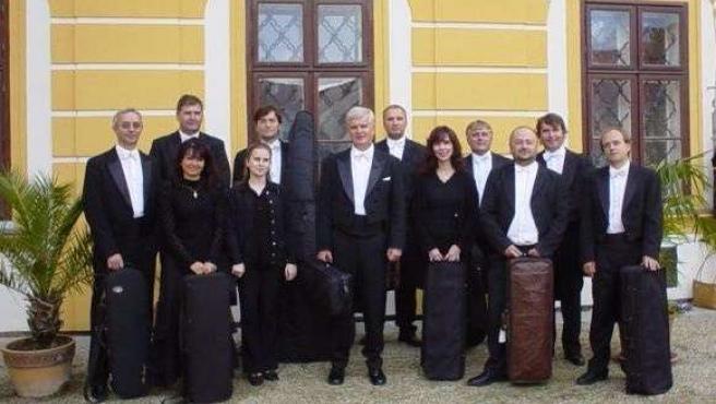 Los miembros de la agrupación Czech Chamber Soloists