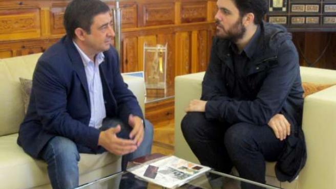 Reunión con el diseñador Leandro Cano