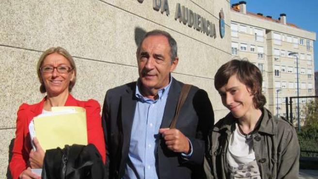 Acusada de lanzar cóctel molotov en Vigo acepta dos años de cárcel