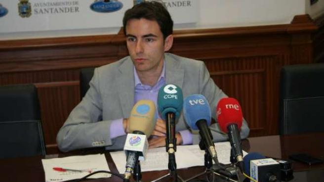 Pedro Casares, portavoz del PSOE de Santander