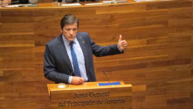 Javier Fernández en la Junta General del Principado de Asturias