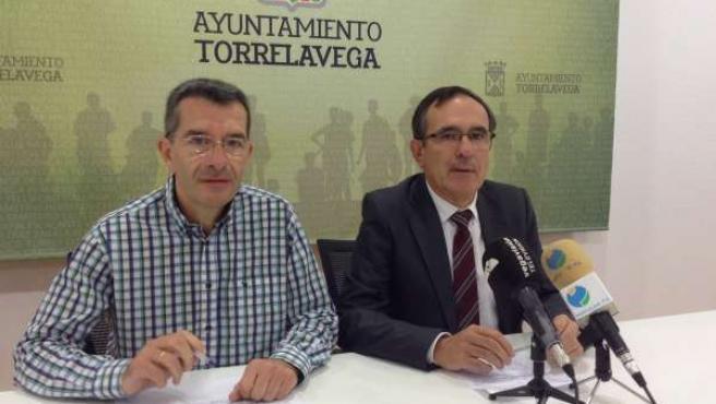 Rueda de prensa del alcalde y el concejal de Hacienda sobre las tasas para 2016
