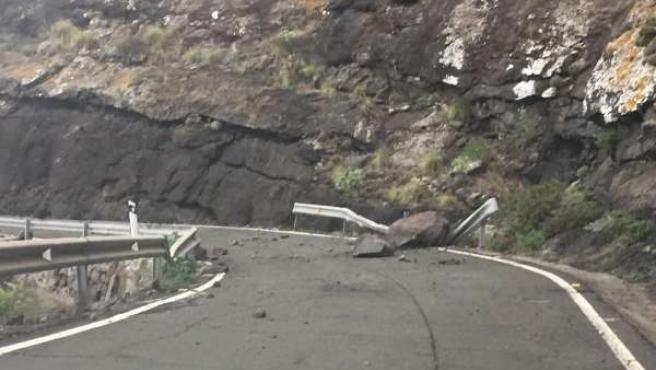 La Carretera De La Aldea Permanecerá Cerrada Hasta Que La Seguridad Permita Su V