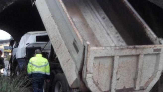 Accidente de un camión en Gozón.