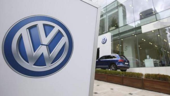 Vista general de un concesionario Volkswagen.